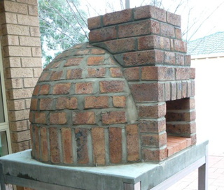 The ideal pizza oven. Can we do it? I hope so!!
