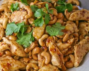 Cashew Chicken. So good lookin' that I pinned it twice... Ooops.