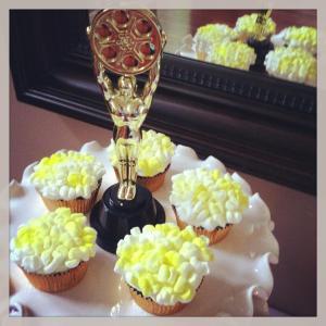 Oscar popcorn cupcakes