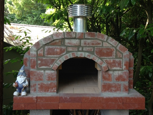 Finished pizza oven with Geroni-gnome, our watch'gnome'