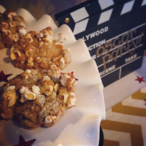 Buttered popcorn cookies, cooked