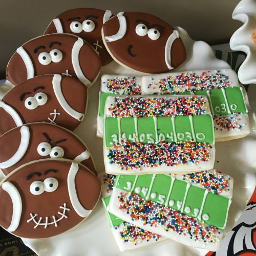 The most amazing Super Bowl cookies ever. I wish I could make these myself!