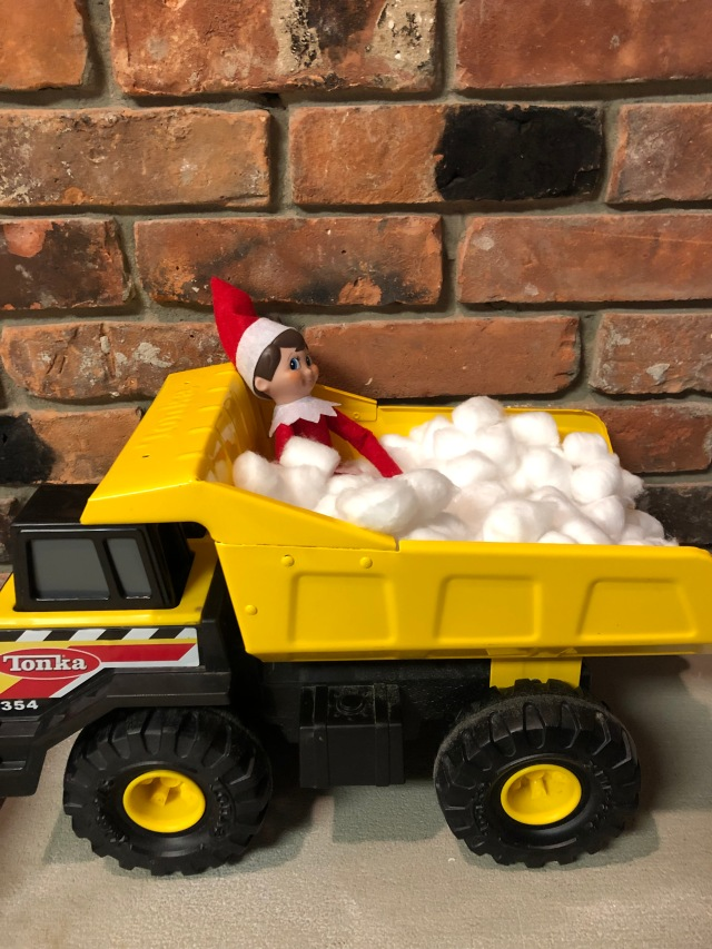 "Elf on the Shelf ""Chilling"" out"